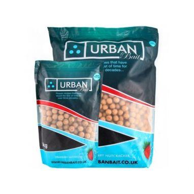 Urban Baits - Strawberry Nutcracker Boilies