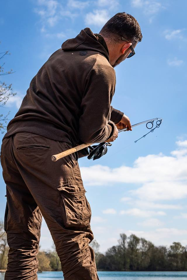Best Budget Carp Rods - A Total Fishing Review / Total